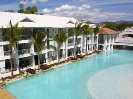 2 Bedroom luxury poolside accommodation in Port Douglas