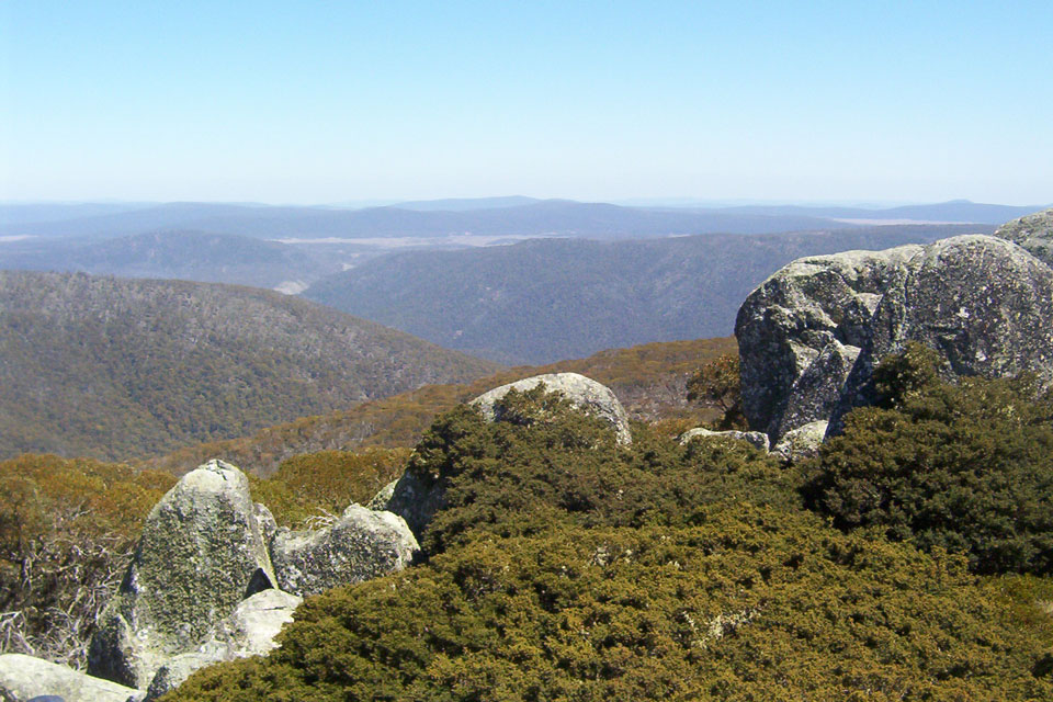 National Park scenic walks and drives in Canberra