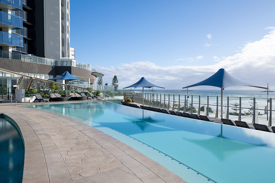 Gold Coast hotel with outdoor heated pool
